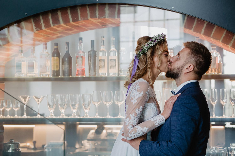 sesja ślubna Asi i Tomka w Hotelu Gorzelnia