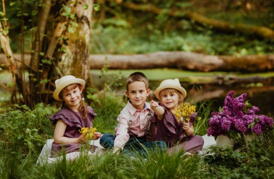 Sesja dziecięca nad wodą | Helenka, Marysia i Franio