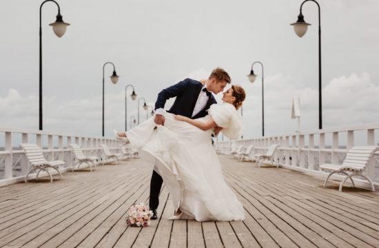 Sesja ślubna nad morzem Patrycji i Arka | Klif Orłowski