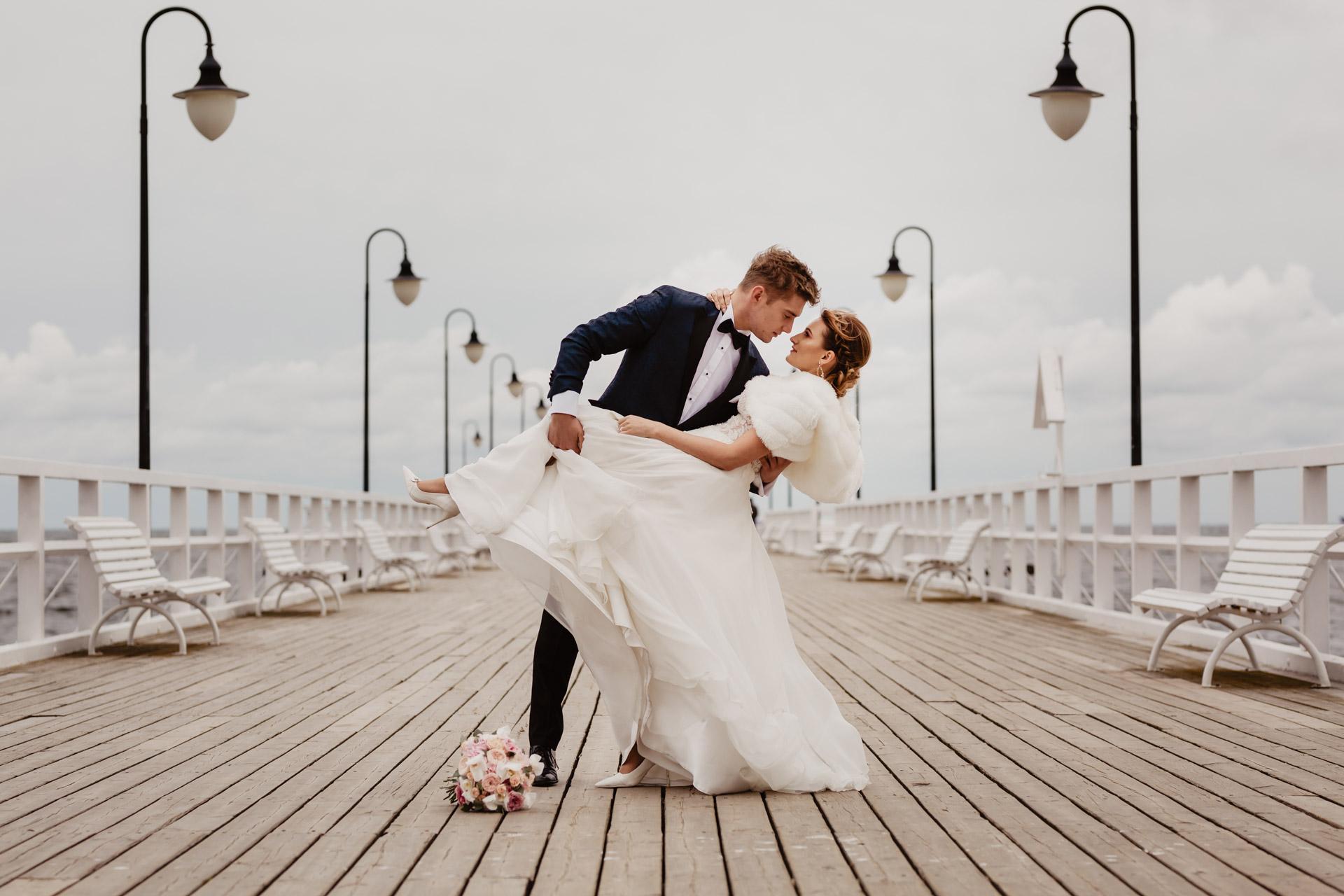 Sesja ślubna nad morzem Patrycji i Arka   Klif Orłowski