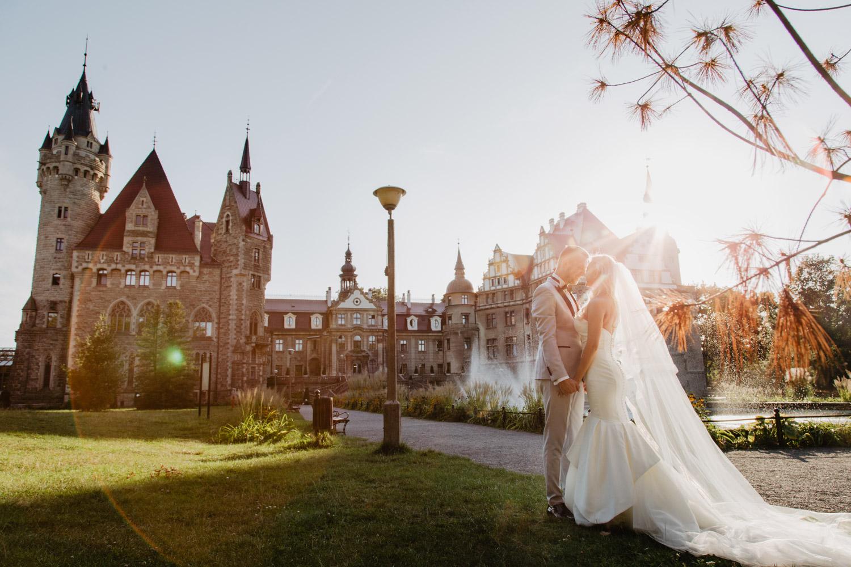 Sesja ślubna Zamek w Mosznej   Paulina i Mateusz